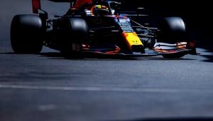 O mexicano Sergio Perez, da Red Bull, conquistou a sua segunda vitória na carreira no GP do Azerbaijão