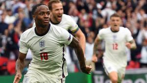Sterling, da Inglaterra, celebra gol marcado contra a Alemanha nas oitavas da Eurocopa