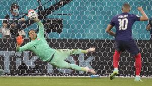 Mbappé perdeu o pênalti contra a Suíça