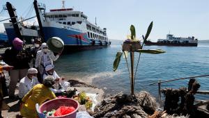 naufrágio de barco na indonésia