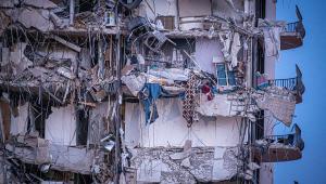 Escombros de Prédio que caiu em Miami