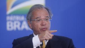 O ministro da Economia, Paulo Guedes, em coletiva de imprensa
