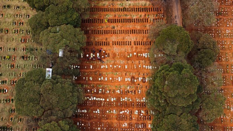 Vista aérea do Cemitério de Vila Formosa, zona leste da cidade de São Paulo