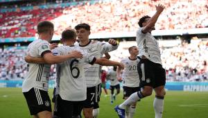 Jogadores da Alemanha comemorando Gol contra Portugal
