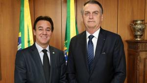 Adilson Barroso ao lado de Jair Bolsonaro