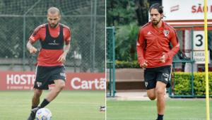 Daniel Alves e Benítez treinando
