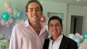 Whindersson Nunes junto com o pai, Hidelbrando Batista