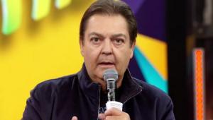 Fasto Silva apresentando o Domingão do Faustão