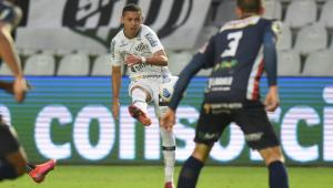 Marcos Guilherme marca seu primeiro gol no Santos