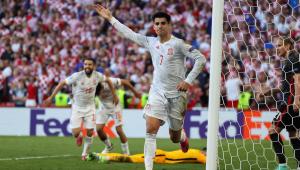 Morata comemora gol da Espanha contra a Croácia nas oitavas da Eurocopa