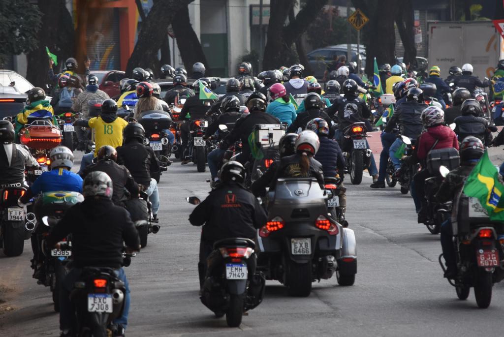 Acidente é registrado durante 'motociata' de apoiadores de Bolsonaro – Jovem Pan