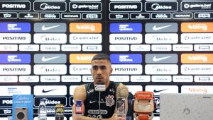 Gabriel durante entrevista coletiva no Corinthians