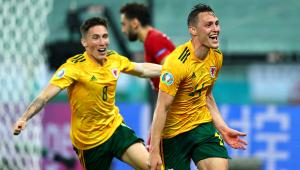 Jogadores de País de Gales comemorando gol contra aTurquia na Eurocopa 2021