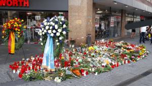 Homenagens vítimas de ataque a facas na Alemanha