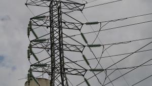 Torres e transformadores de energia elétrica da EDP Bandeirante em São José dos Campos