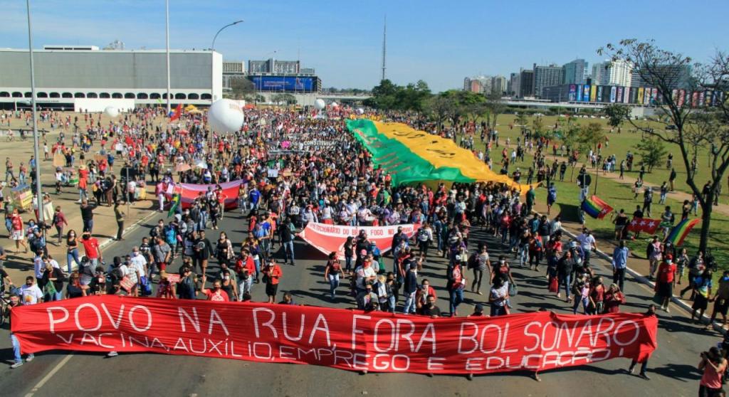 Passeata tomou a Esplanada dos Ministérios em Brasília