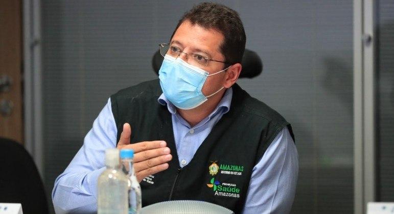 Ex-secretário de saúde do Amazonas, Marcellus Campelo, usando máscara