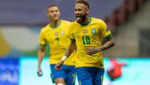 Neymar festeja gol marcado pela seleção brasileira contra a Venezuela
