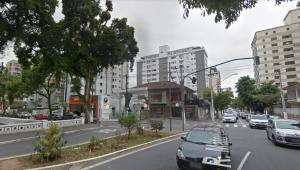 Cruzamento de ruas em Santos
