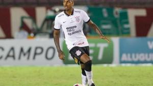 Zagueiro Raul Gustavo