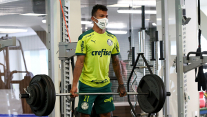 Gabriel Veron durante treinamento no Palmeiras