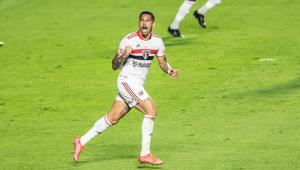 Luciano comemora gol