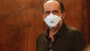 Alexandre Kalil, prefeito de Belo Horizonte, usando máscara