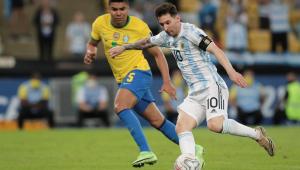 Messi e Casemiro durante a final da Copa América entre Argentina e Brasil, no Maracanã