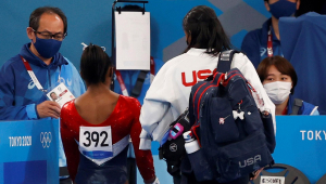 Simone Biles está fora das finais por equipes da ginástica