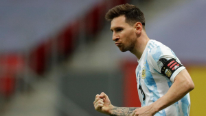 Lionel Messi comemora classificação da Argentina sobre a Colômbia na Copa América