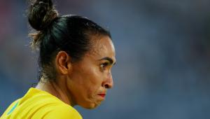 Marta durante a eliminação do Brasil para o Canadá nas quartas de final da Tóquio-2020