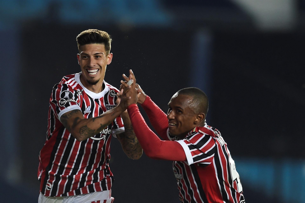 Libertadores: São Paulo quebra tabu, vence Racing por 3 a 1 e se classifica para as quartas
