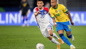 Neymar joga contra o Chile