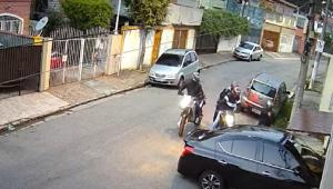 Câmera de segurança grava assalto
