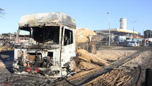 Destroços do caminhão que explodiu em Rio Claro