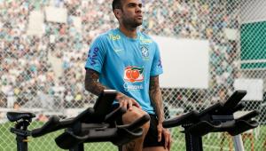 Daniel Alves se apresentou à seleção olímpica