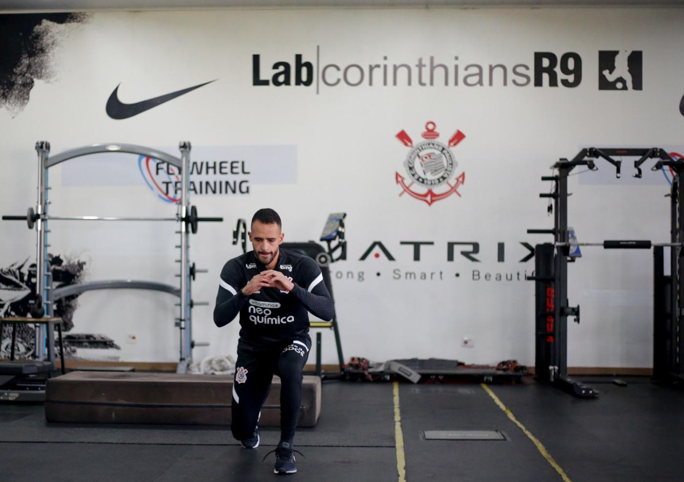 Renato Augusto treina no Corinthians
