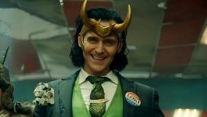 Tom Hiddleston caracterizado como Loki