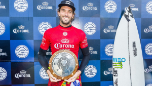 O surfista português Frederico Morais está fora da Olimpíada de Tóquio após testar positivo para Covid-19