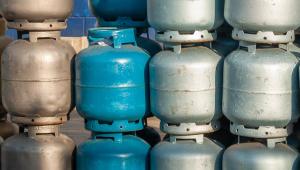 Senado aprova projeto que cria vale-gás para os mais pobres