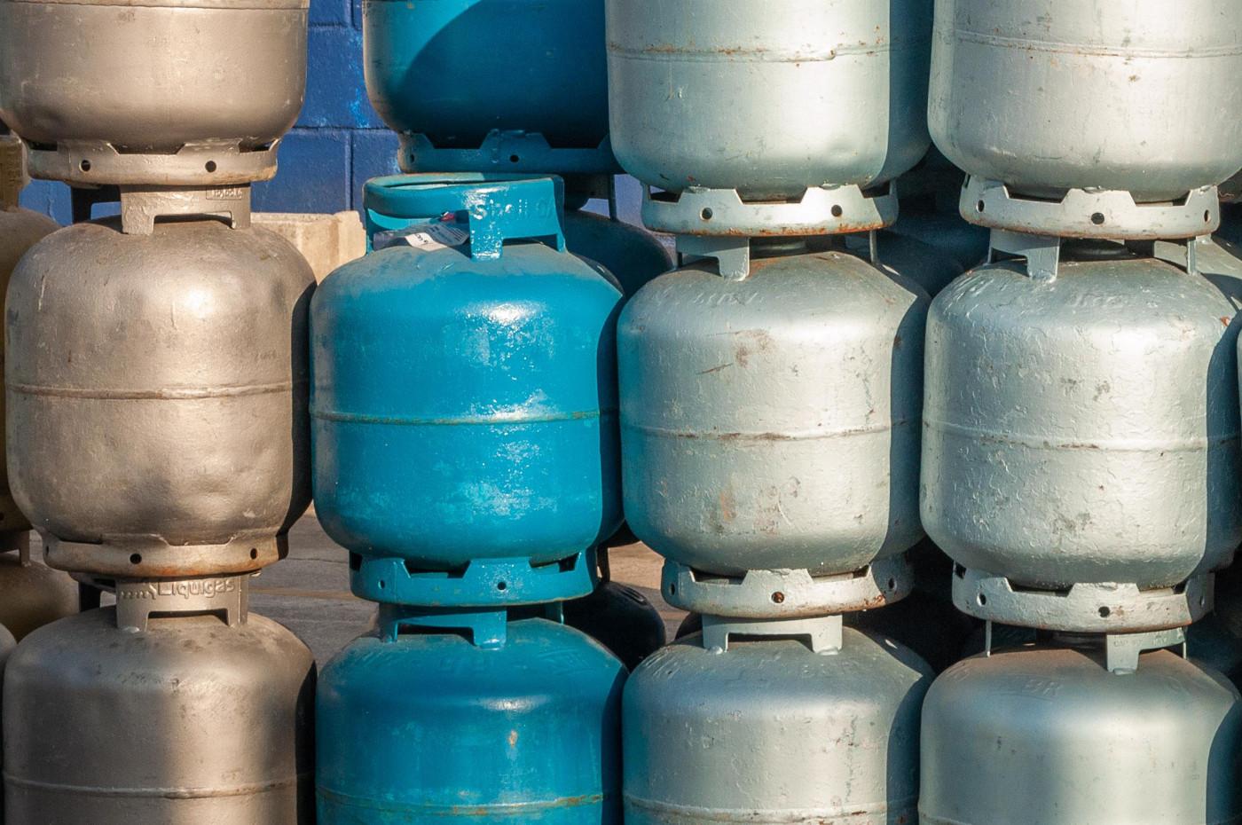 Vista de depósito de gás GLP