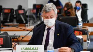 Parlamentar exibe número de vidas salvas pela pandemia