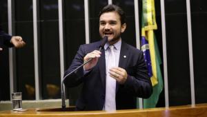 Relator do texto que prevê mudanças no Imposto de Renda, deputado Celso Sabino (PSDB-PA), apresentou relatório preliminar nesta terça-feira