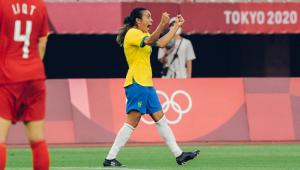 Marta marcou duas vezes na vitória do Brasil sobre a China nos Jogos de Tóquio