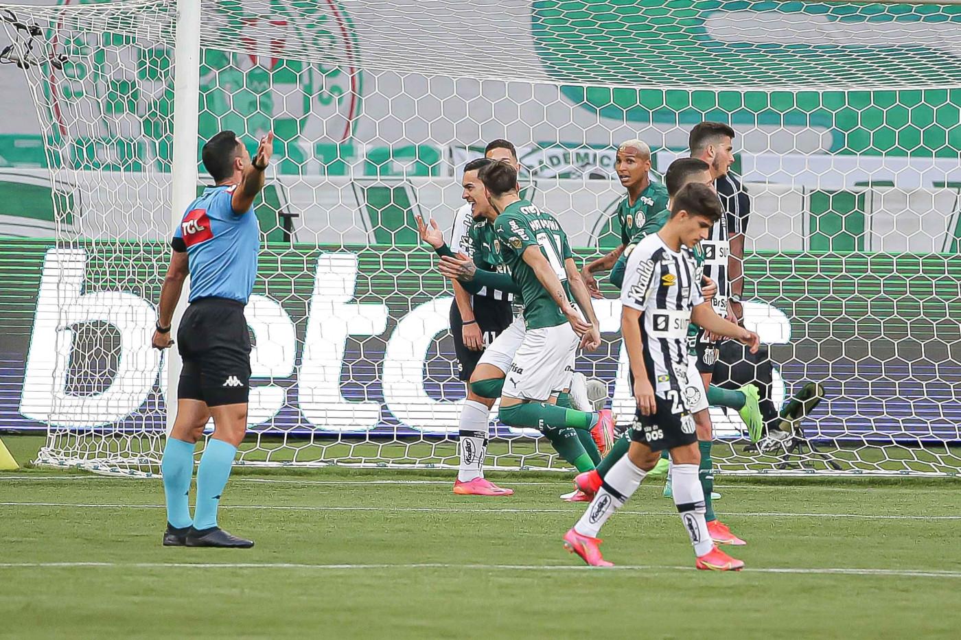 O Palmeiras venceu o Santos em confronto válido pela 11ª rodada do Brasileirão 2021