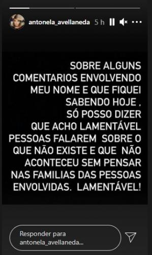 Texto escrito acima em fundo preto nos stories do Instagram de Antonela Avellaneda