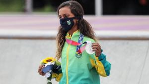 Rayssa Leal ganhou a medalha de prata no skate street dos Jogos Olímpicos