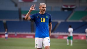 Richarlison marcou seu quarto gol nas Olimpíadas de Tóquio diante da Arábia Saudita