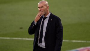 Em meio à crise no Real Madrid, Zidane testa positivo para Covid-19
