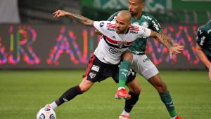 Daniel Alves durante derrota do São Paulo para o Palmeiras pela Copa Libertadores da América